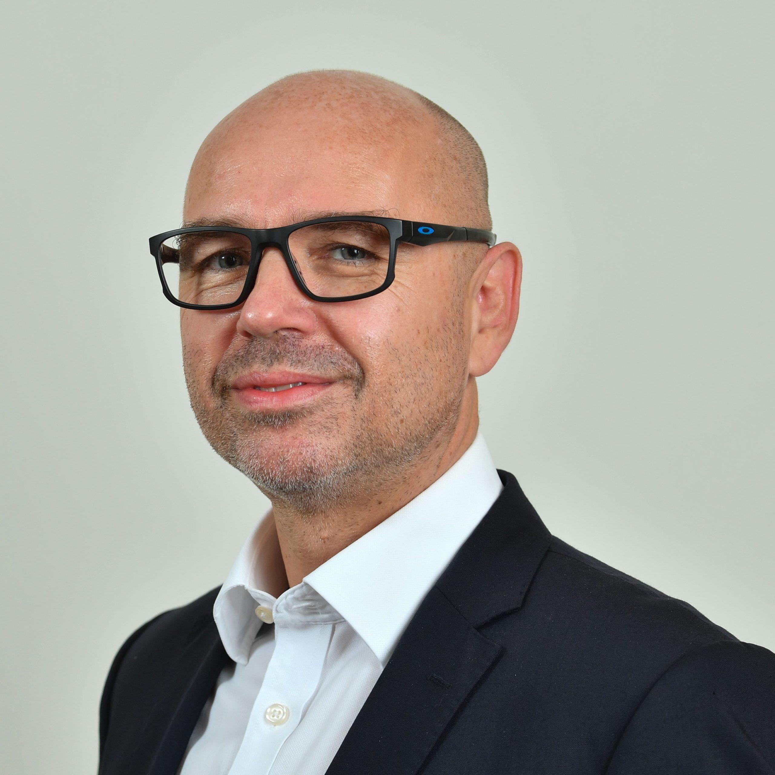 Dr. Stefan Gossens